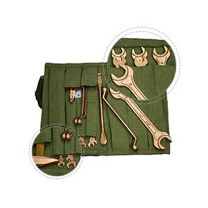 Набор ключей в сумке брезентовой